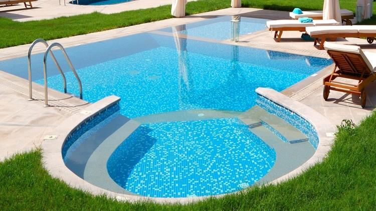 Cum pregatim piscina pentru noul sezon?