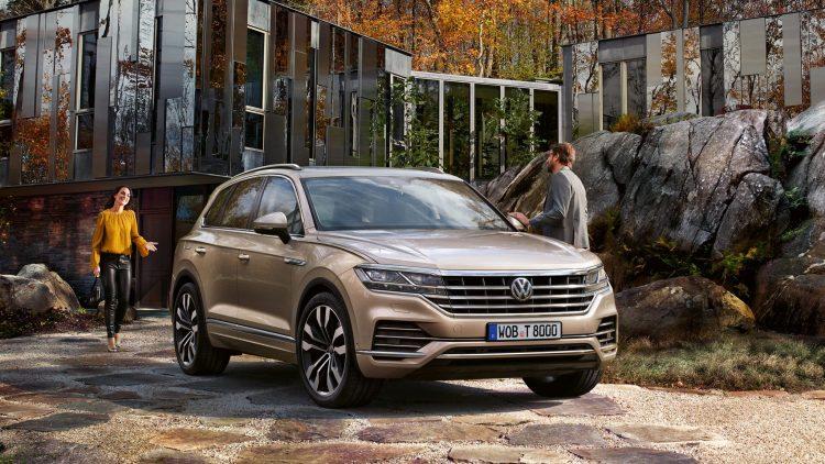 Volkswagen isi imbunatateste noul Touareg pentru clientii pretentiosi