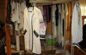 Descriere camasa traditionala din Botosani si Hunedoara