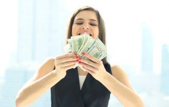 Aduc banii fericirea?