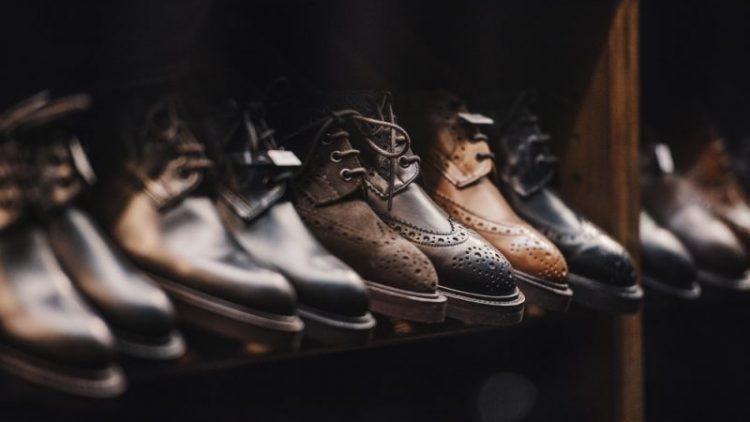 Ce culoare trebuie sa aiba pantofii unui barbat?