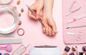 Stii cum sa folosesti corect ustensilele pentru unghii?